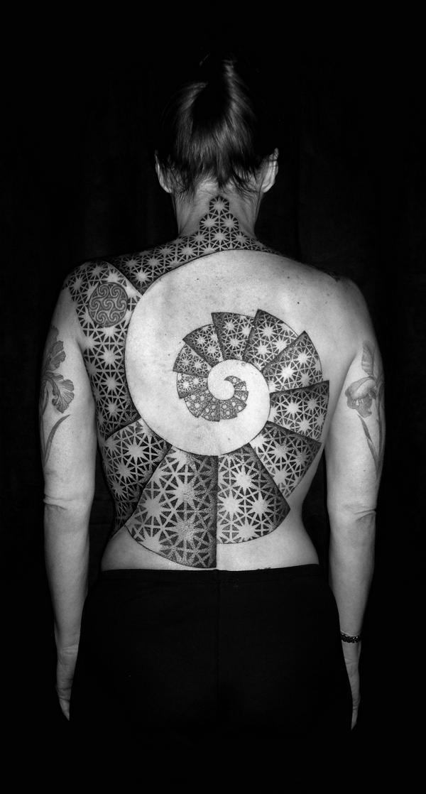 tomas-tomas,tomas tomas tattoo,dotwork,dotwork tattoo,tatuagem pontilhada,underconstruction blog,tattoo,tattoo draw,tattoo geometrica,geometric tattoo