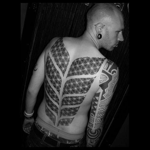 tomas-tomas,tomas tomas tattoo,dotwork,dotwork tattoo,tatuagem pontilhada,underconstruction blog,tattoo,tattoo draw,tattoo geometrica,geometric tattoo