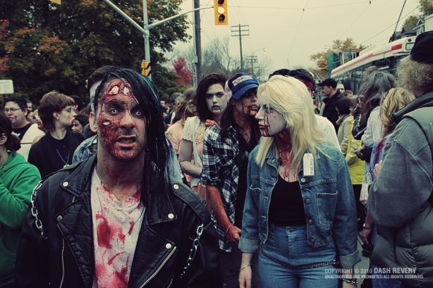 photography pictures toronto zombie walk 2,fotos da toronto zombie walk 2,underconstruction blog