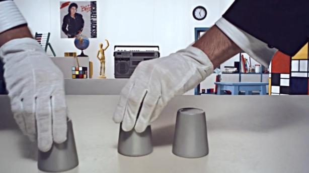 chop cup film,chop cup time lapse,chop cup optical ilusion, ilusão de ótica jogo de esconder a bolinha no copo, truque, mágica de esconder a bolinha,cup trick,truque do copo
