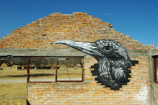 roa street art graffitti, stencil roa, arte nas ruas, graffiti, graffiti de animais, animal graffiti, dead animal draws, desenhos animais mortos, graffiti inspiração, tattoo inspiration, inspiração tattoo, arte urbana, urban street art, Roa graffiti, grafiteiro belga Roa, zoológico na ruas em grafite,os melhores desenhos graffiti